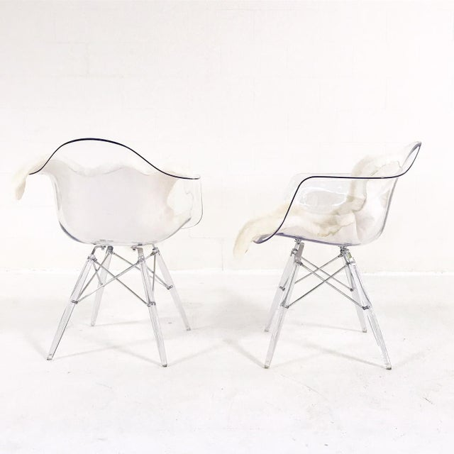 Mid-Century Modern Mid-Century Style Lucite Chairs with Ivory Brazilian Sheepskin Throws - Pair For Sale - Image 3 of 7