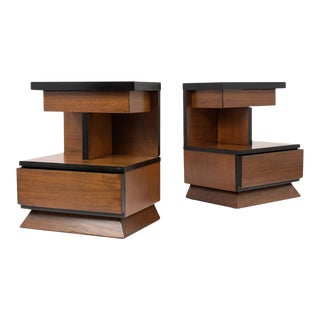 Pair of Lacquered Mid-Century Modern Style Nightstands For Sale