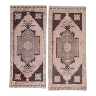 Small Turkish Rug Mat - Set of Two For Sale