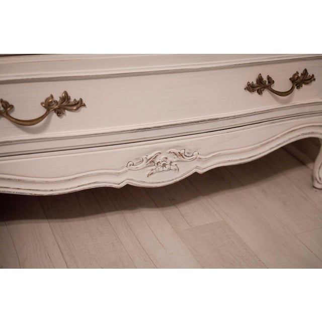 Thomasville Vintage White French Provincial Chest of Drawers - Image 6 of 9
