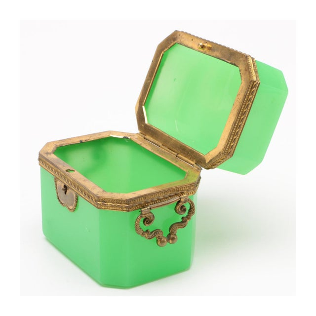 French 19th Century French Green Opaline Glass Casket For Sale - Image 3 of 8