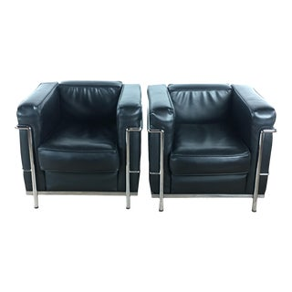Modern Le Corbusier Black Leather Armchairs- A Pair For Sale