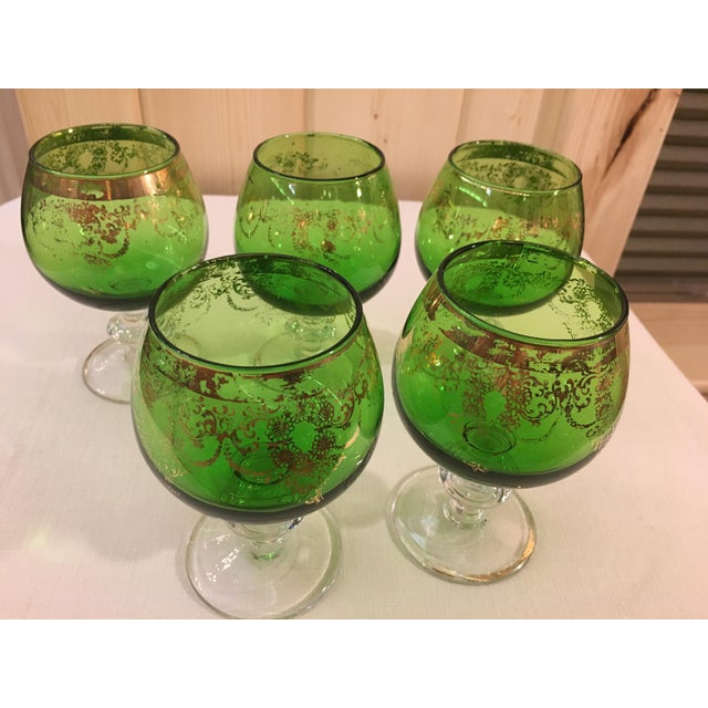 Glass Mid-Century Modern Emerald Green Goblets - Set of 5 For Sale - Image 7 of 10