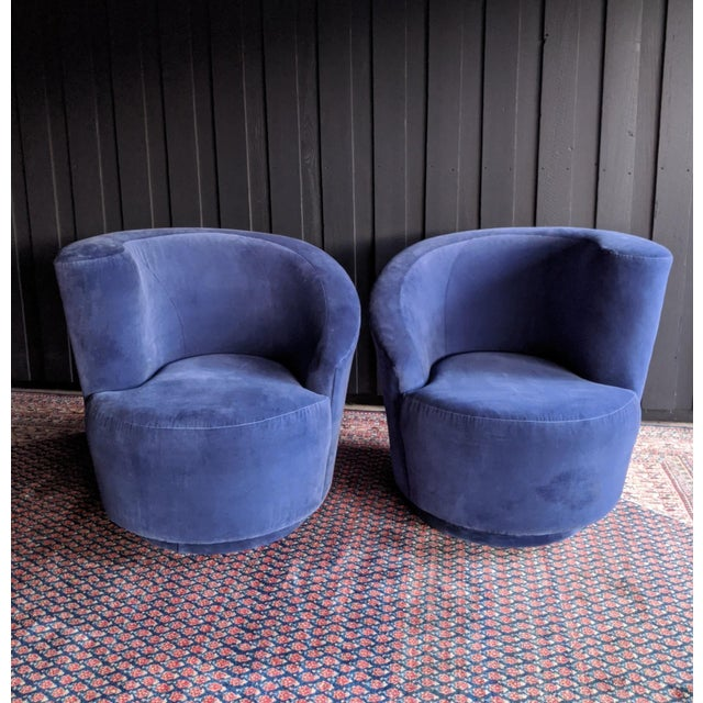 1980s Vladimir Kagan Nautilus Swivel Chairs Reupholstered in Blue Velvet, a Pair For Sale - Image 5 of 13
