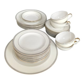 "Early 1900s Theodore Haviland New York, Limoges ""Greek Key"" Service Dinnerware - 25 Pieces For Sale"