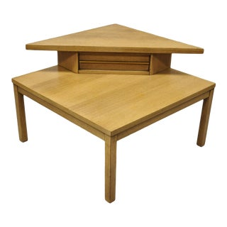 Mid Century Modern American of Martinsville Mahogany Corner Coffee Side Table For Sale