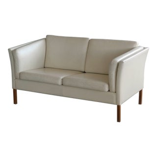 Danish 1960s Loveseat in Cream Colored Leather in Style of Borge Mogensen For Sale