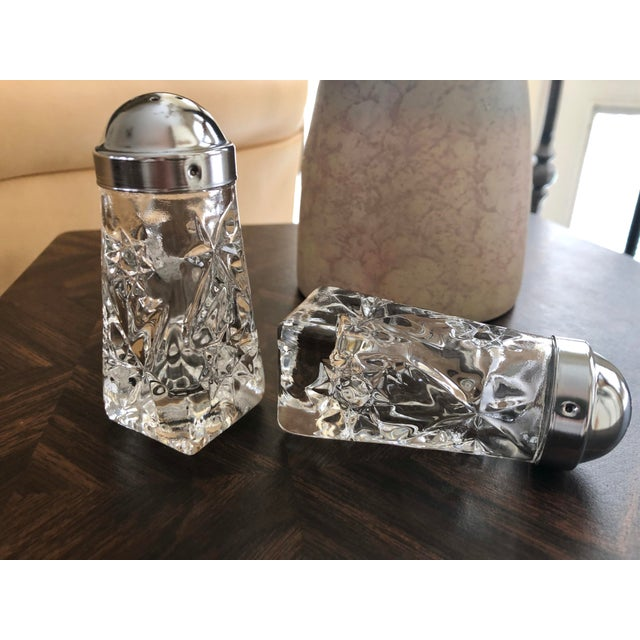 American Early American Prescut Eapc Salt & Pepper Shaker Set by Anchor Hocking - a Pair For Sale - Image 3 of 13