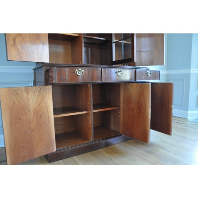 Vintage Artisan Crafted Mohogany Breakfront China Cabinet For Sale In New York - Image 6 of 6