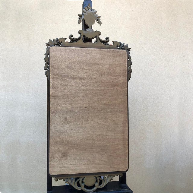 19th Century Italian Carved Giltwood Mirror For Sale - Image 10 of 11