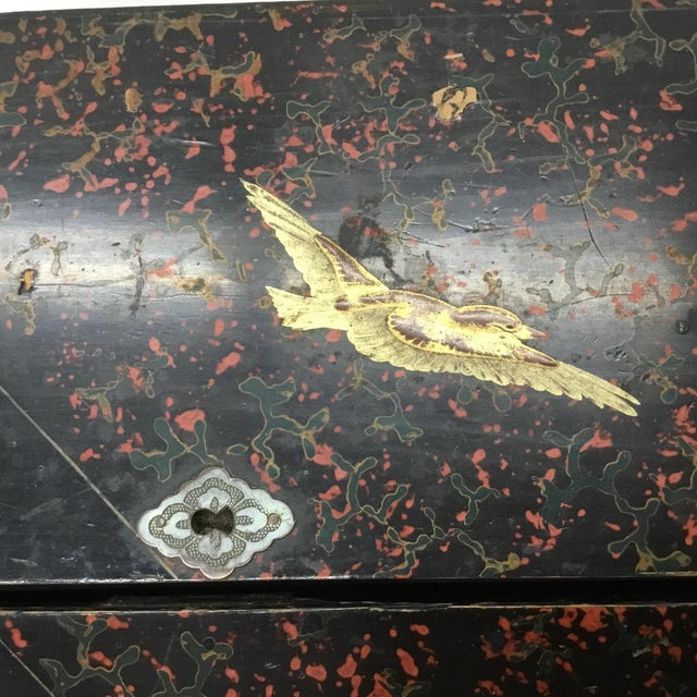 19th Century Antique Japanese Lacquer Box / Lap Desk For Sale In Providence - Image 6 of 13