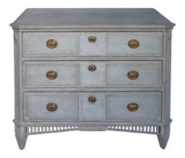 Image of Antique White Dressers and Chests of Drawers