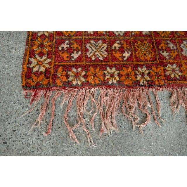 "Vintage Moroccan Boujad Floor Rug Runner - 3'3"" x 8'5"" For Sale - Image 9 of 10"