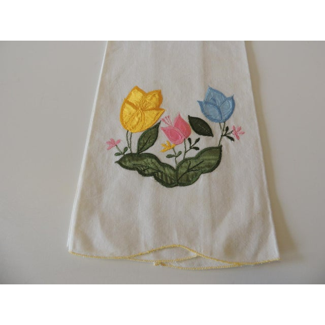 Vintage Green and Yellow Embroidered Bathroom Guest Towel. Pink, yellow and blue flowers, scalloped edge. 100% Cotton...