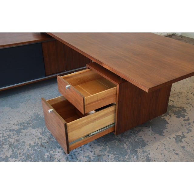 George Nelson for Herman Miller L-Shaped Executive Desk, 1950s For Sale - Image 10 of 13