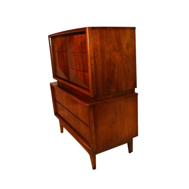 Mid-Century Modern United Mid Century Modern Diamond Front Tall Highboy Dresser For Sale - Image 3 of 10