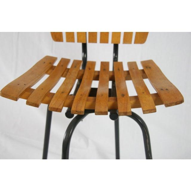 Arthur Umanoff Vintage Mid Century Arthur Umanoff Style Slatted Swivel Chair For Sale - Image 4 of 7