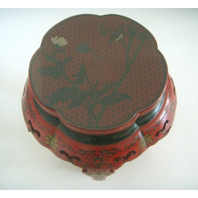 Early 20th Century Antique Red Lacquer Chinese Drum Stool/Side Table For Sale - Image 5 of 6