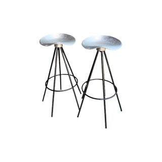 Set of Two Pepe Cortes Jamaica Stools by Amat for Knoll - a Pair For Sale