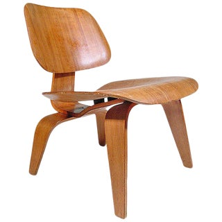 LCW Chair by Eames for Herman Miller C. 1950 For Sale