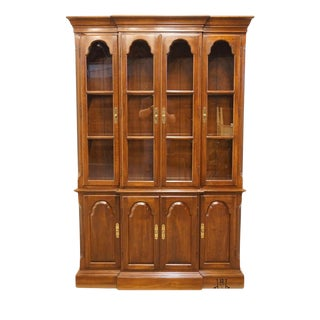 20th Century Georgian Ethan Allen Court Illuminated Breakfront China Cabinet For Sale