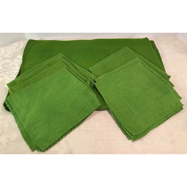 Mid-Century Modern Vintage Lime Green Woven Placemats and Napkins - Set of 8 For Sale - Image 3 of 9