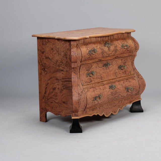 French Burr Walnut Bombe Chest With Ebonised Feet For Sale - Image 3 of 11