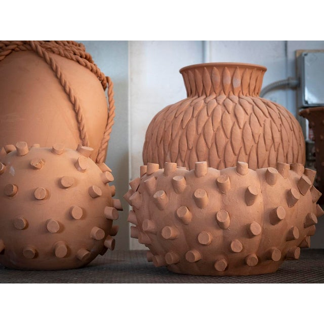 Cream Round Ceramic Vase with 24 Karat Gold Details, ND Dolfi For Sale - Image 9 of 10