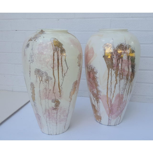 A Pair- Mid Century Vanguard Studios Pottery Abstract Liquid Gold and Pastel Pink Abstract Splatter Vases For Sale - Image 13 of 13