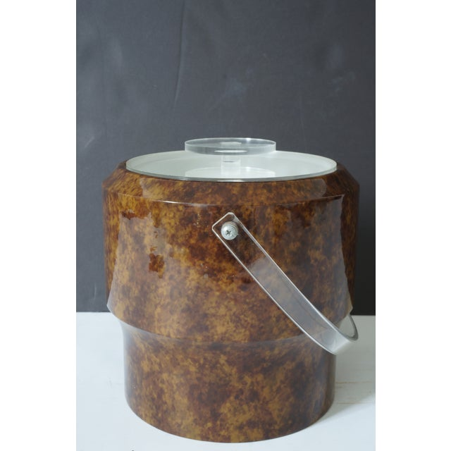 Contemporary Vintage Saks 5th Ave Nyc Ice Bucket - Faux Tortoise Shell and Lucite For Sale - Image 3 of 10