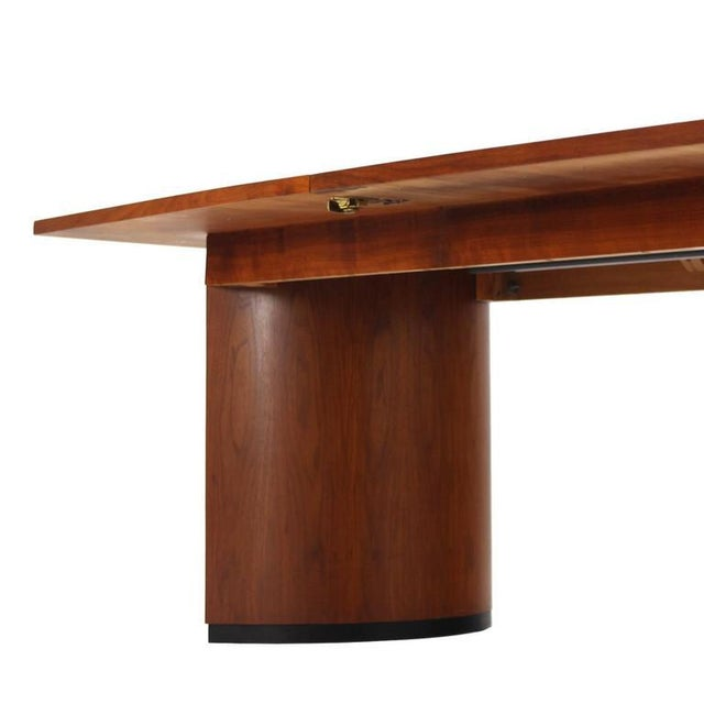 309b88924774 Very Nice Mid-Century Modern Walnut Dining Table with Two Extension Leaves  For Sale -