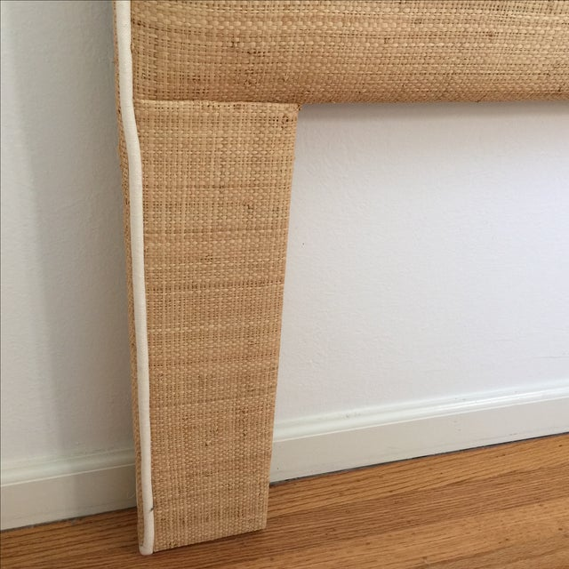 Raffia Cal-King Headboard with White Piping For Sale In San Francisco - Image 6 of 6