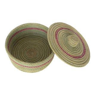 Moroccan Hand-Woven Vegetable Fiber Box For Sale