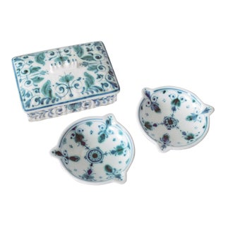 1960s Boho Chic Royal Delft Delvert Green Cigarette Box and Ashtrays - 3 Piece Set For Sale