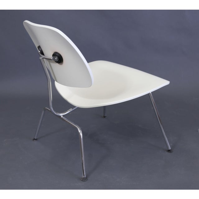 Mid-Century Modern Eames Style White Lounge Chair For Sale - Image 10 of 11