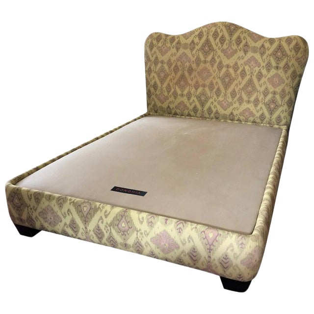 Contemporary Donghia Uphostered Platform Queen Size Bedframe For Sale