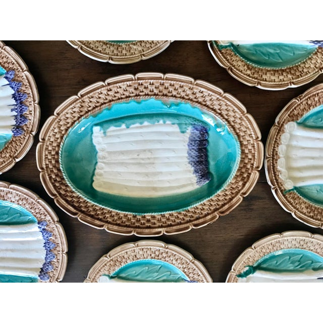 French Majolica Asparagus Orchies Platter and Plates - Set of 13 For Sale - Image 11 of 12