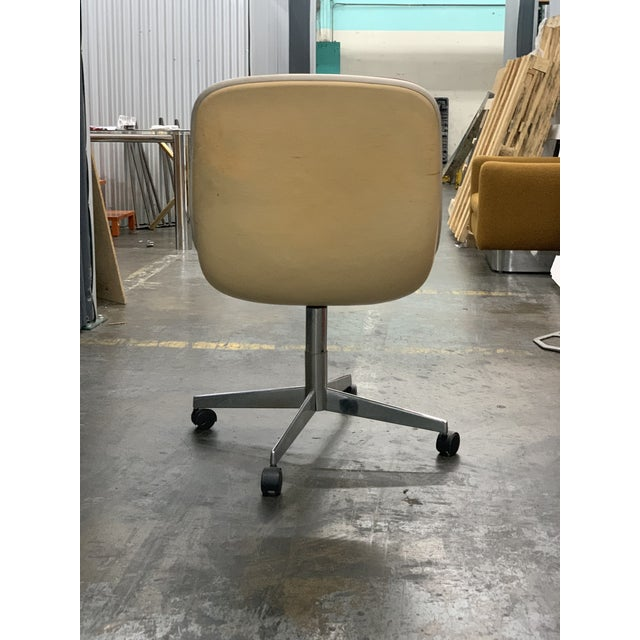 Mid-Century Modern 1970s Vintage Steelcase Office Chair For Sale - Image 3 of 7