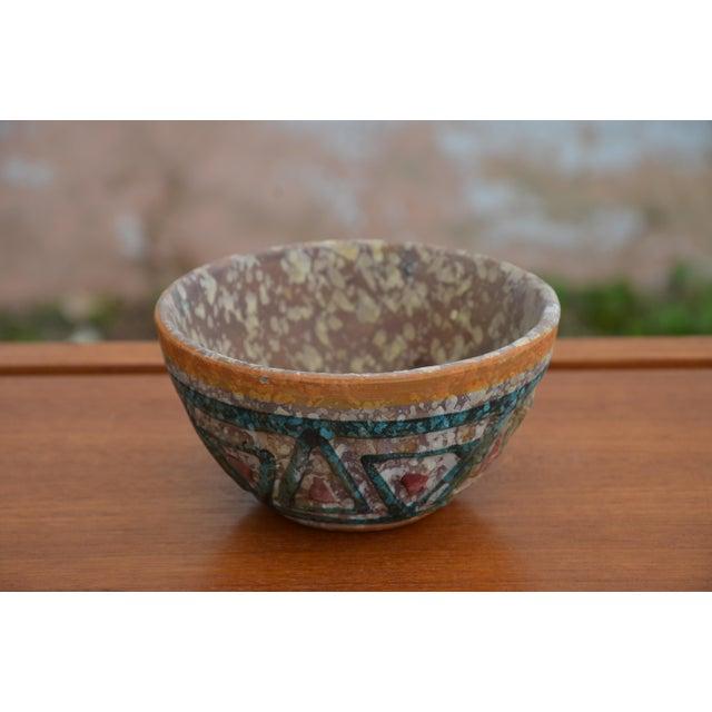 Aldo Londi Bitossi for Raymor Italian Lava Glaze Sgraffito Pottery Set For Sale - Image 4 of 9