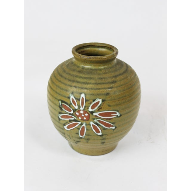 1960s Japanese Green Floral Vase - Image 2 of 4