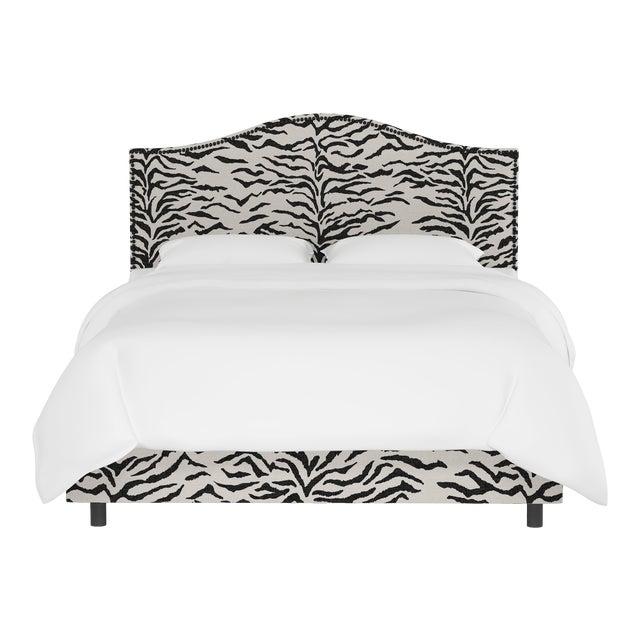 Queen Bed, Linen Zebra Cream Black For Sale