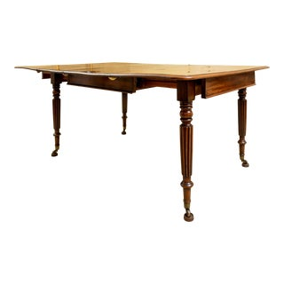 Early 19th Century Flame-Figured Mahogany Extension Dining Table For Sale