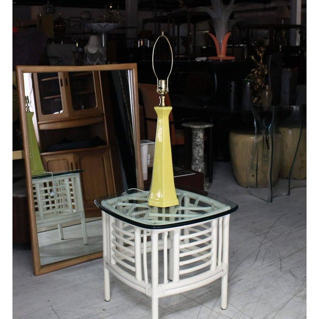 Early 20th Century Hexagon Vase Shaped Yellow Glaze Pottery Table Lamp For Sale - Image 5 of 5
