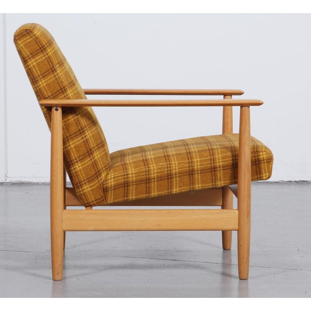 Wood 1970s 'Swan' Corner Sofa and Armchair - 2 Pc. Set For Sale - Image 7 of 10