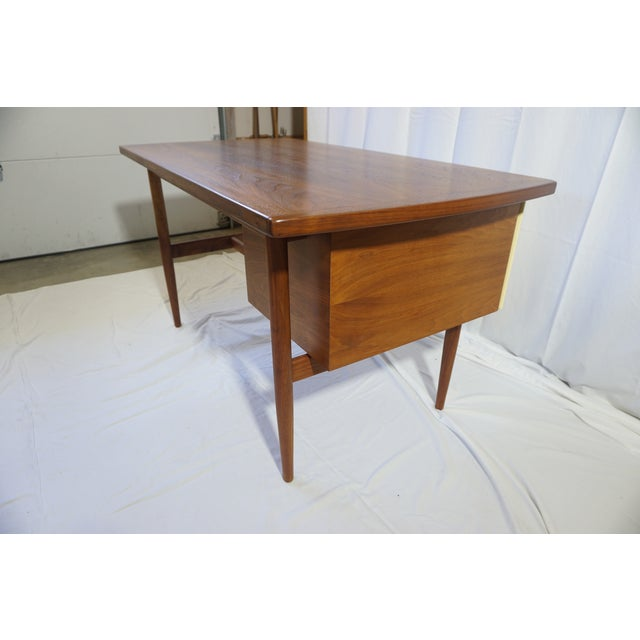 Jens Risom 1950s Danish Modern Jens Risom Design Inc Writing Desk For Sale - Image 4 of 13