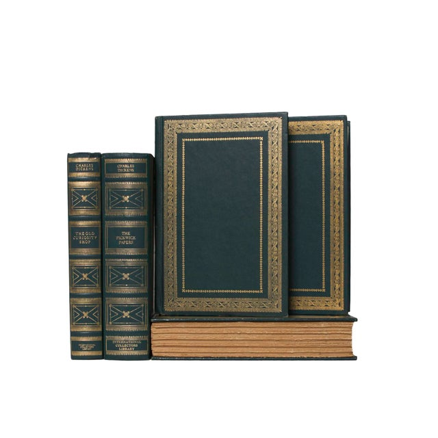 Features a blend of nine authentic vintage books published between 1915-1936.Includes a variety of literary classics...