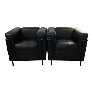 Pair Le Corbusier Lc2 Black Leather Chairs by Cassina For Sale