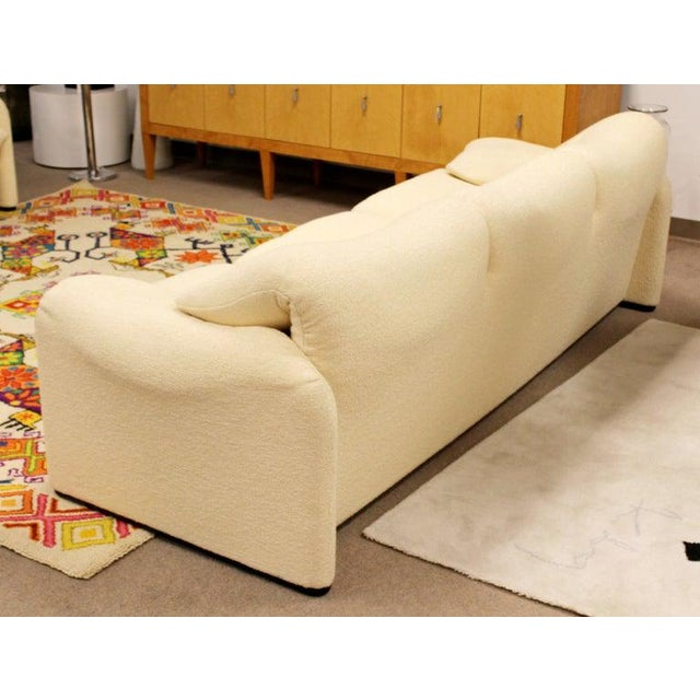 Fabric Mid-Century Modern Atelier Intl Maralunga Sculptural Sofa by Magistretti for Cassina For Sale - Image 7 of 12