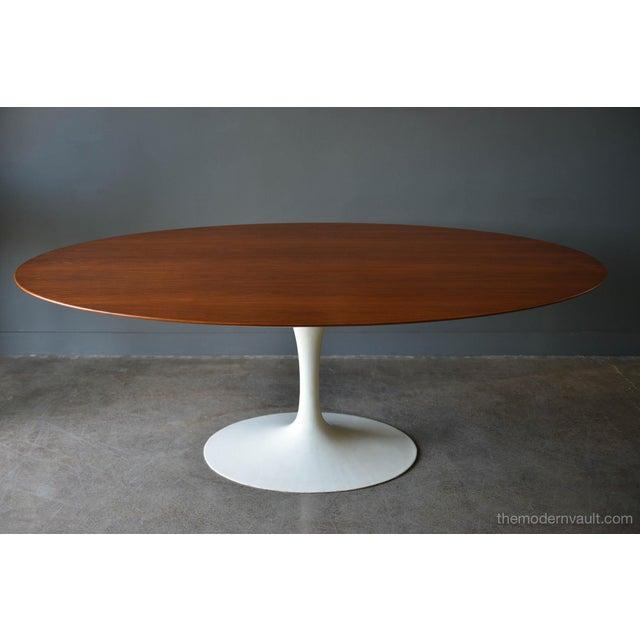 Walnut Oval Tulip Table By Eero Saarinen For Knoll Circa - Walnut tulip dining table