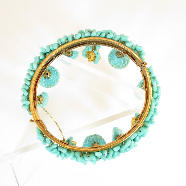 Miriam Haskell Turquoise Beaded Bangle Bracelet 1950s For Sale In Los Angeles - Image 6 of 8